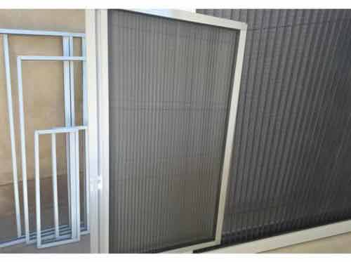 توری پلیسه طرح دار درب و پنجره